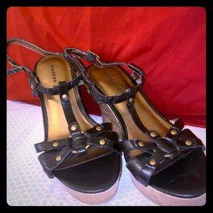 Sz 10 Madden Girl Black & Cork Wedge Sandals
